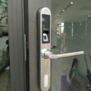 Khóa cửa nhựa Intelligence E2900