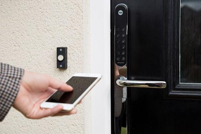Khóa điện tử được điều khiển thông qua Smartphone
