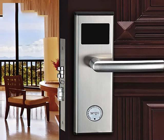 Những tính năng và ưu điểm của khóa cửa thẻ từ