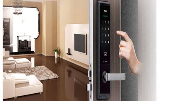 Làm gì khi khóa cửa vân tay không nhận vân tay?